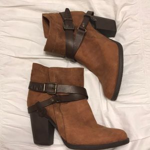 Brown buckle Booties!